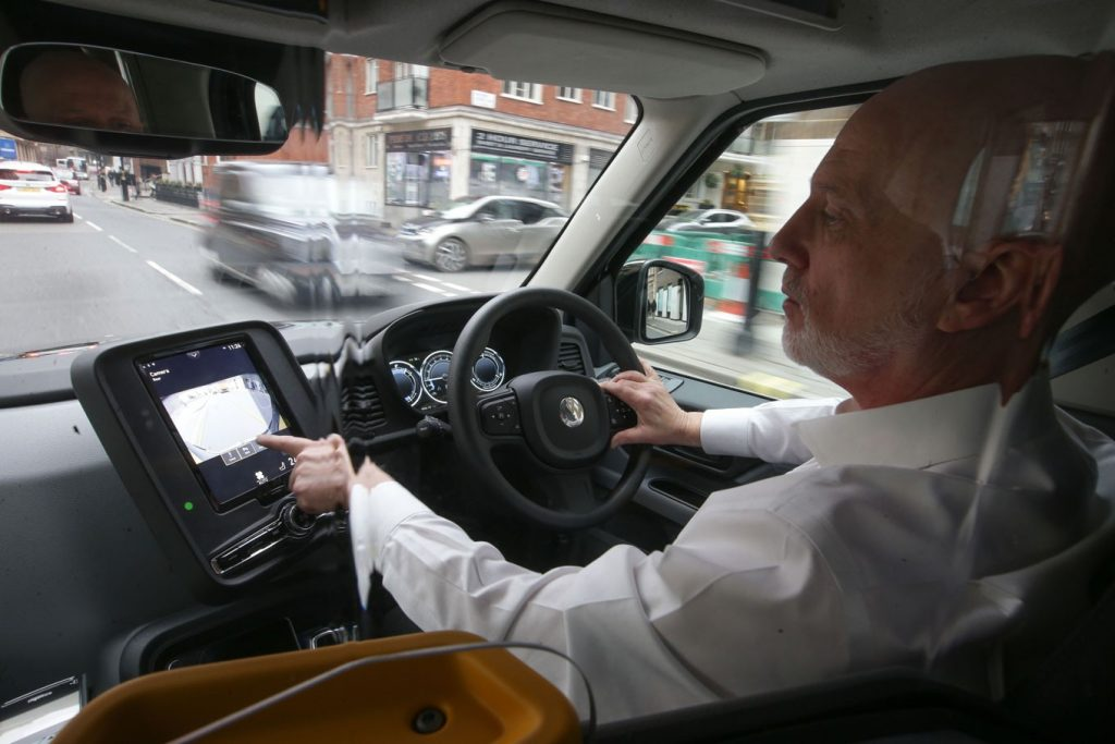TaxiPilot- New App in the Market helping Taxi Drivers finding Empty Ranks and to Work Efficiently 1